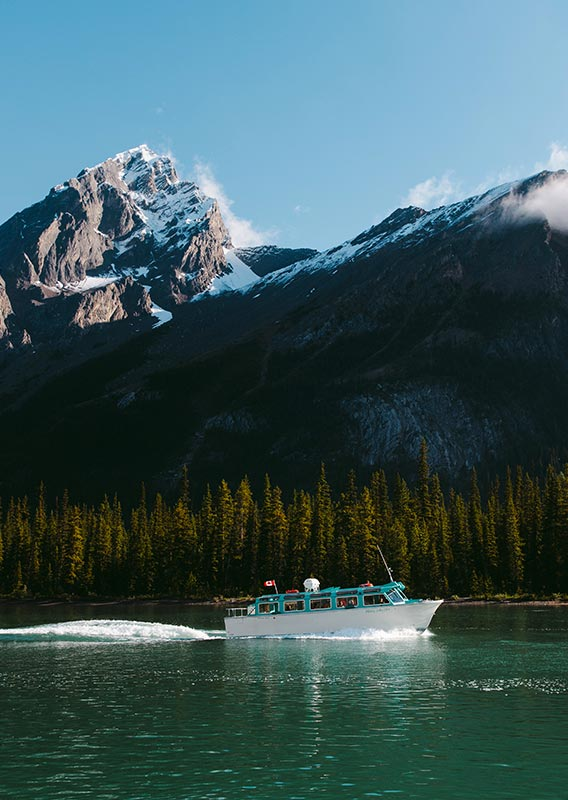 Maligne Lake Cruise in Jasper National Park