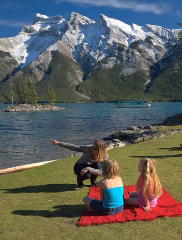 Five Tips for Effortless Picnics in Banff