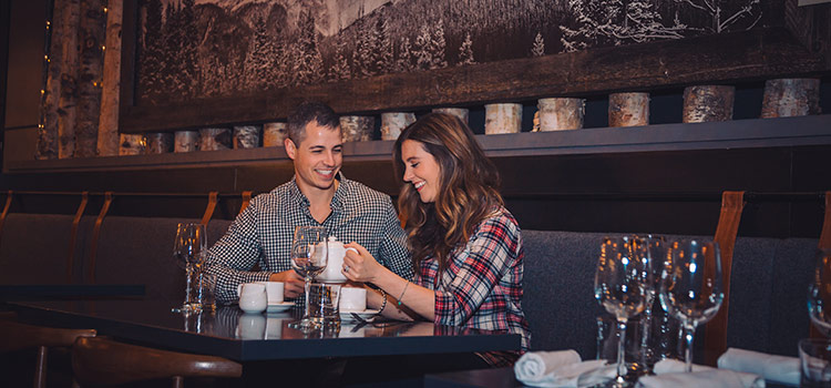 Couple enjoys tea in a restaurant