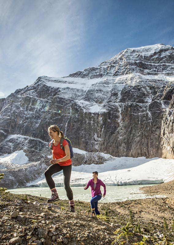 Hiking at Mt Edith Cavell